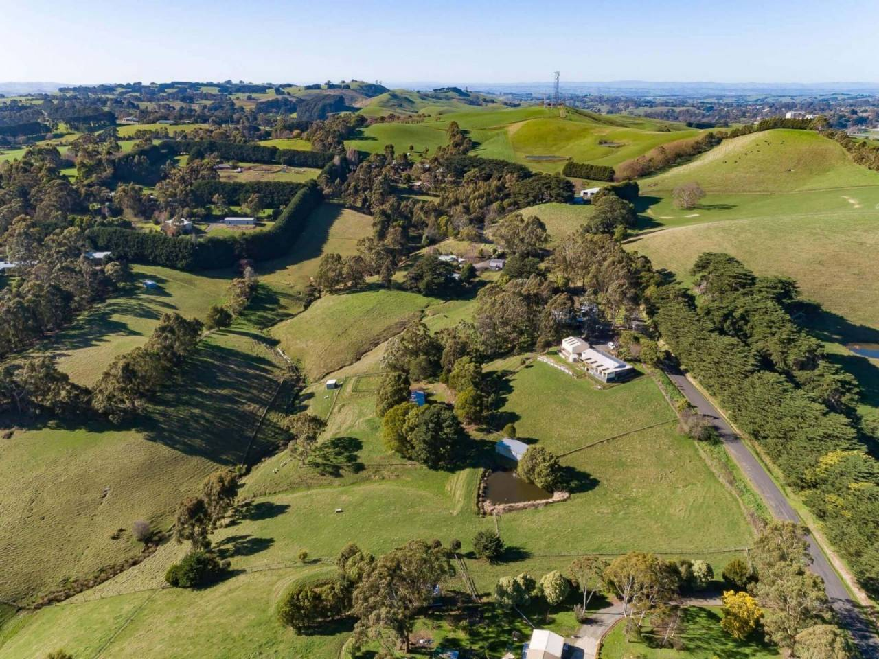 Under Contract Fabulous Lifestyle Property Horse Farm With 3br Home On Just Under 6 Acres 5 Minutes From Korumburra Farm Buy